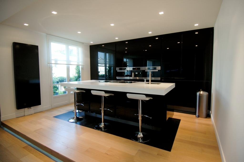 Kuchnie na wymiar szafy wn kowe komody sto y new design for Meble design